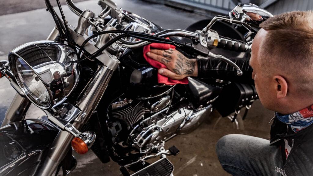 Limpieza de la moto antes de salir de casa